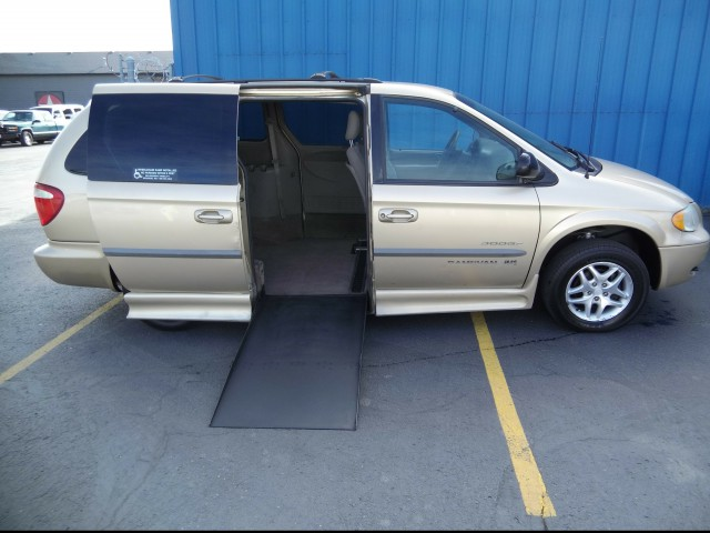 2001 Dodge Grand Caravan IMS Dodge and Chrysler Wheelchair Van For Sale