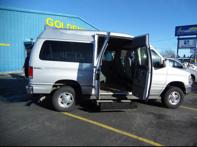 2014 FORD E 250   Wheelchair Van For Sale