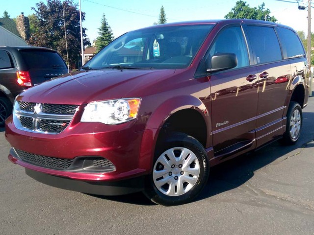 2018 Dodge Grand Caravan BraunAbility Dodge Simple Stow Wheelchair Van For Sale