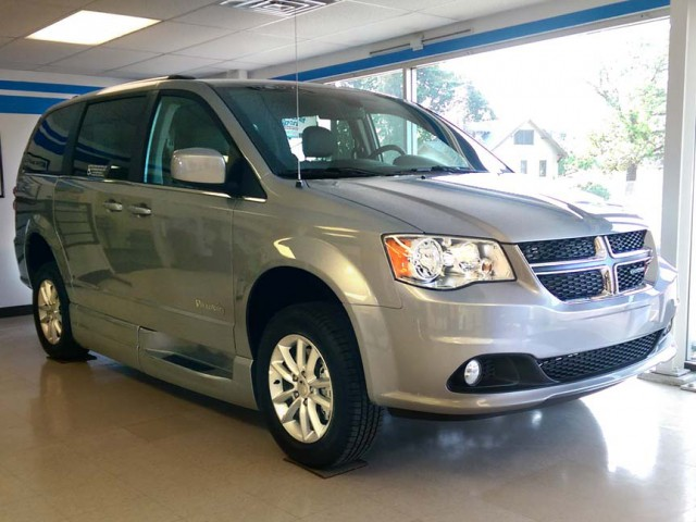 2019 Dodge Grand Caravan BraunAbility Dodge Entervan XT Wheelchair Van For Sale
