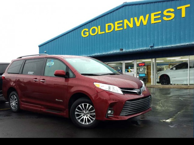 2019 Toyota Sienna BraunAbility BraunAbility Li Wheelchair Van For Sale