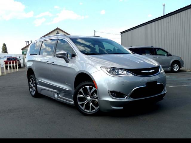 2017 Chrysler Pacifica BraunAbility Chrysler Pacifica Infloor Wheelchair Van For Sale