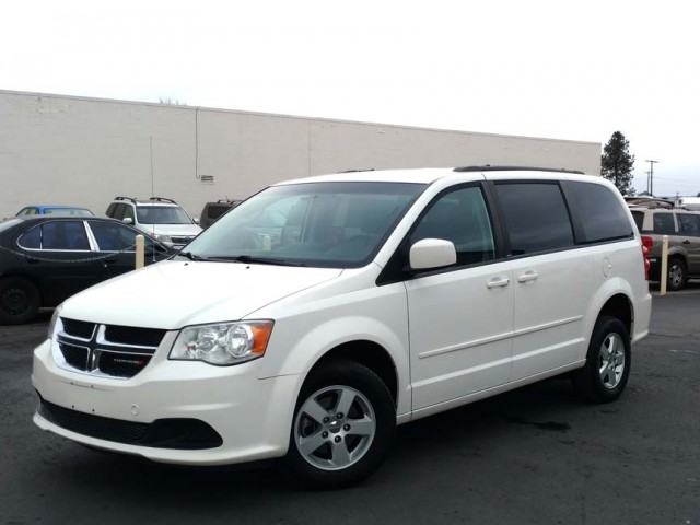 2013 Dodge Grand Caravan BraunAbility Dodge Manual Rear Entry Wheelchair Van For Sale