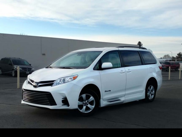 2020 Toyota Sienna BraunAbility Li Wheelchair Van For Sale